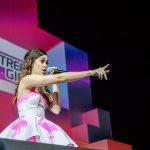 Die Telekom Street Gigs bei den VideoDays 2014 mit US-Superstar Megan Nicole verzaubern über 12.000 Fans in der Kölner Lanxess Arena